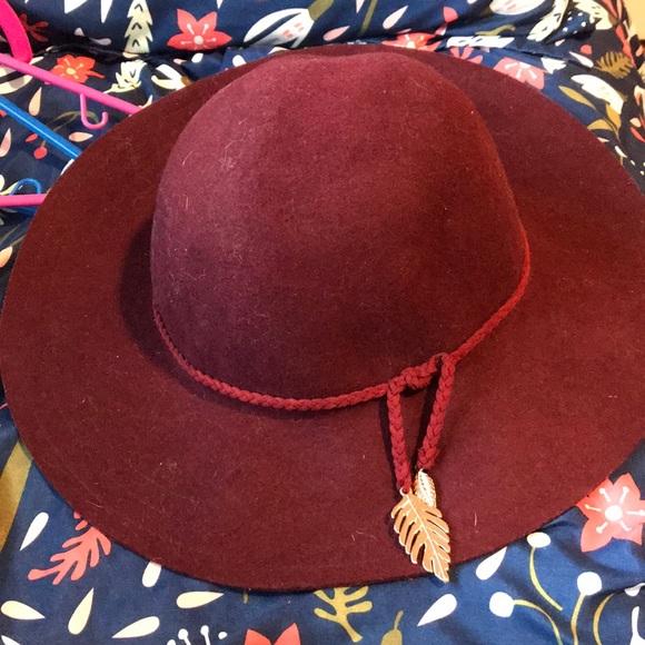 H&M Accessories - H&M floppy hat